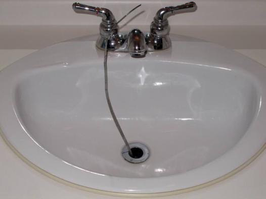 déboucher lavabo salle de bain