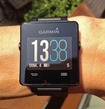 garmin vivoactive - montre connectée multisports avec gps intégré - noir