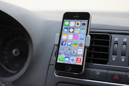 support pour iphone voiture