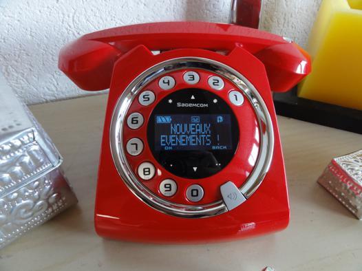 telephone retro sans fil rouge