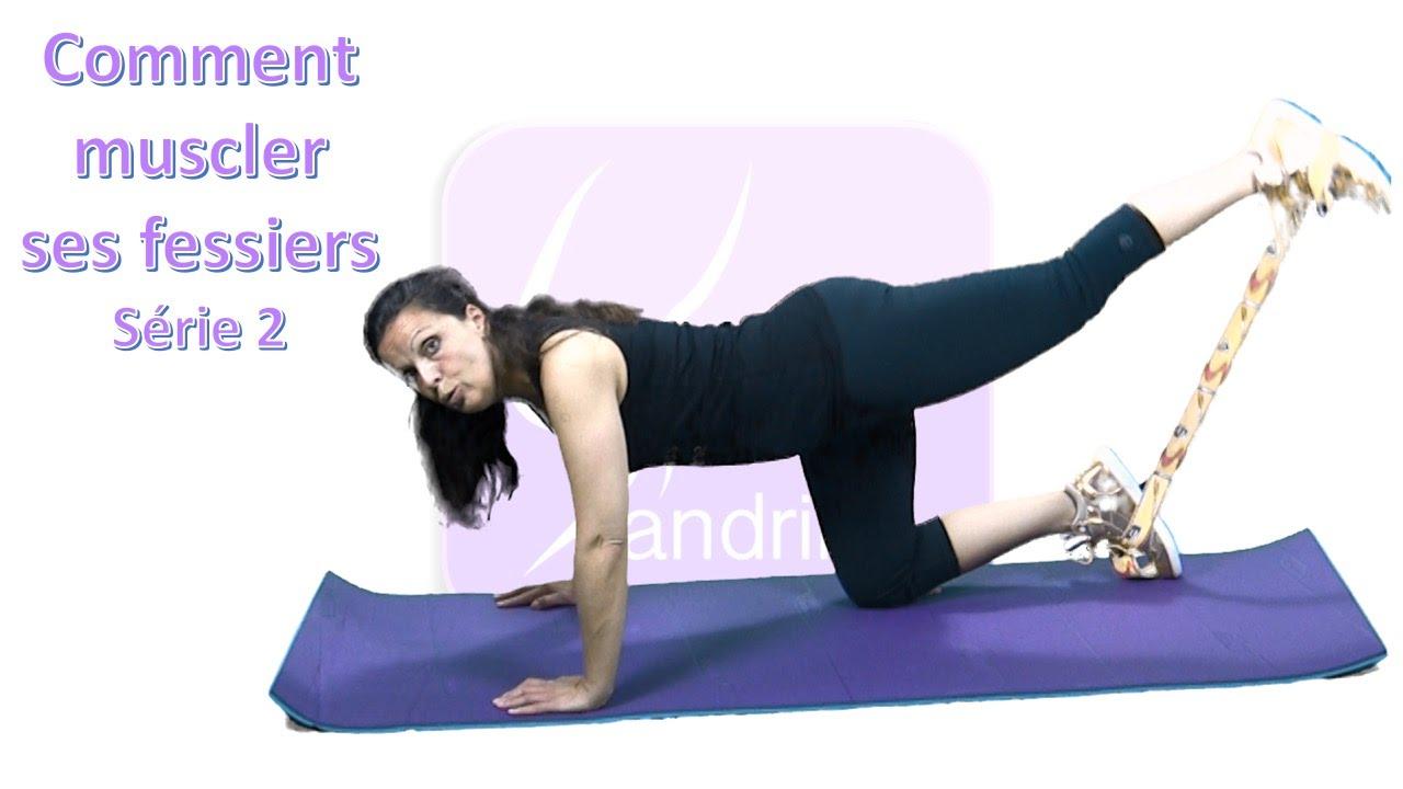 exercice avec elastique fessier