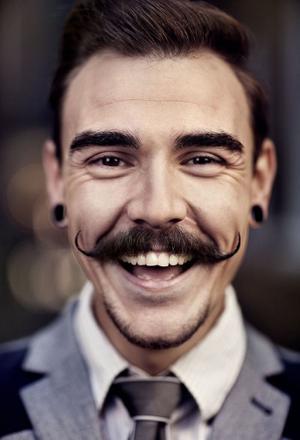 moustache homme