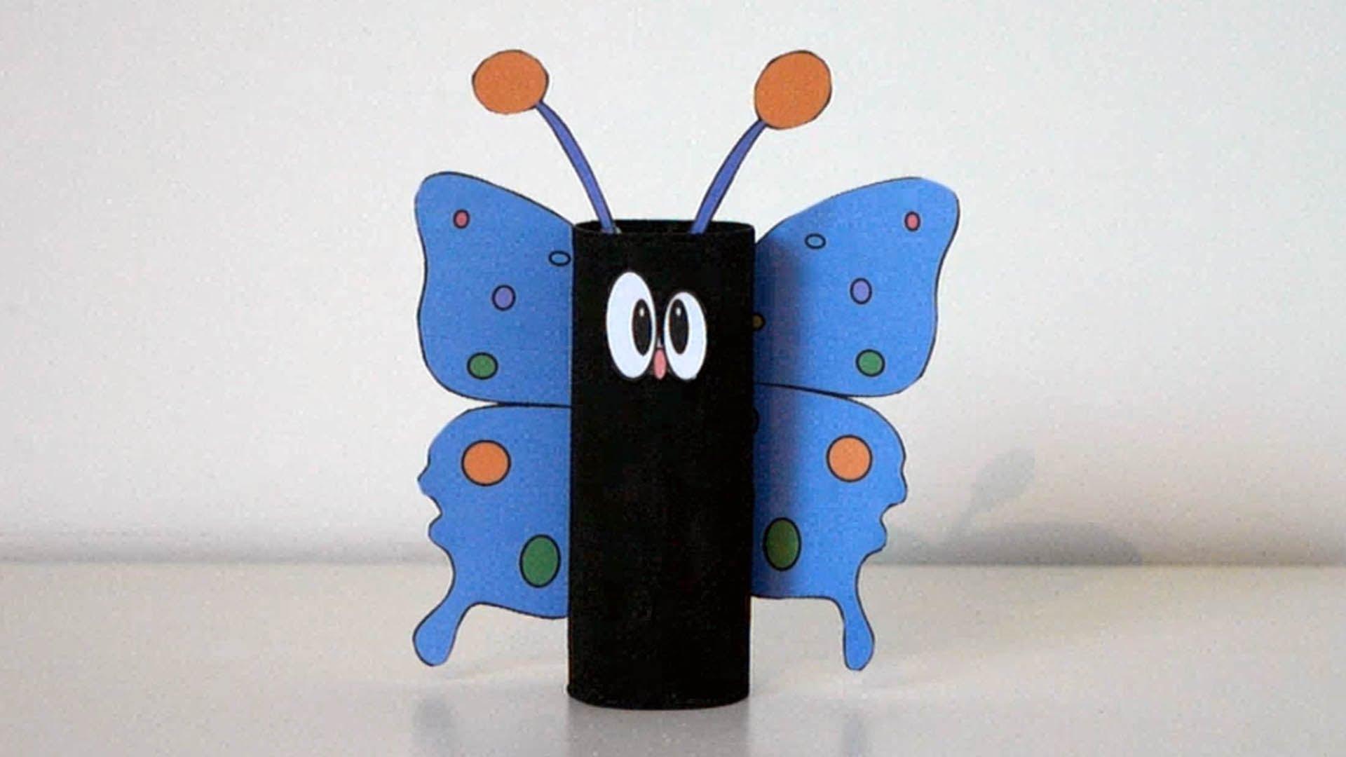 papillon avec rouleau de papier toilette