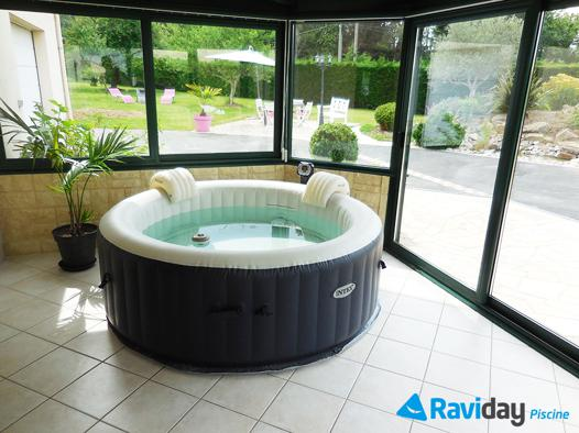 spa gonflable interieur