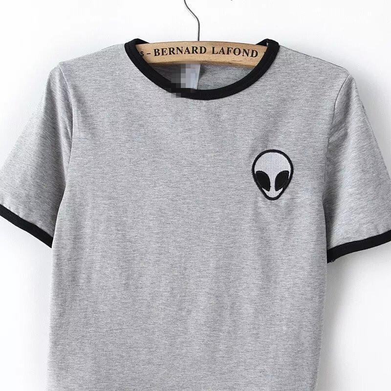 tee shirt avec alien